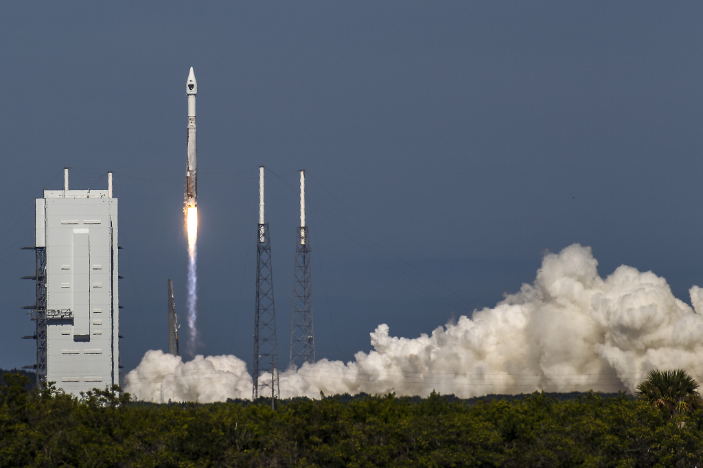A United Launch Alliance (ULA) Atlas V rocket carrying the Air Force's eighth Block IIF navigation satellite for the Global Positioning System (GPS) lifts off from Cape Canaveral Air Force Station in Florida on October 29, 2014. Image Credit: John Studwell