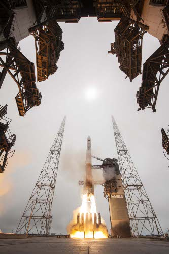 Cape Canaveral Air Force Station, Fla. (March 25, 2015) A United Launch Alliance (ULA) Delta IV rocket successfully launched the ninth Global Positioning System (GPS) IIF satellite for the U.S. Air Force at 2:36 p.m. EDT today from Space Launch Complex-37. This is ULA's fourth launch in 2015 and the 95th successful launch since the company was formed in December 2006. Image Credit: Boeing