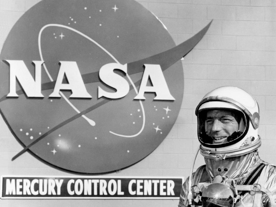 Astronaut Scott Carpenter stands in front of the Mercury Control Center at Cape Canaveral. Carpenter was the pilot for the Mercury-Atlas 7 mission aboard Aurora 7, which launched May 24, 1962. Image credit: NASA