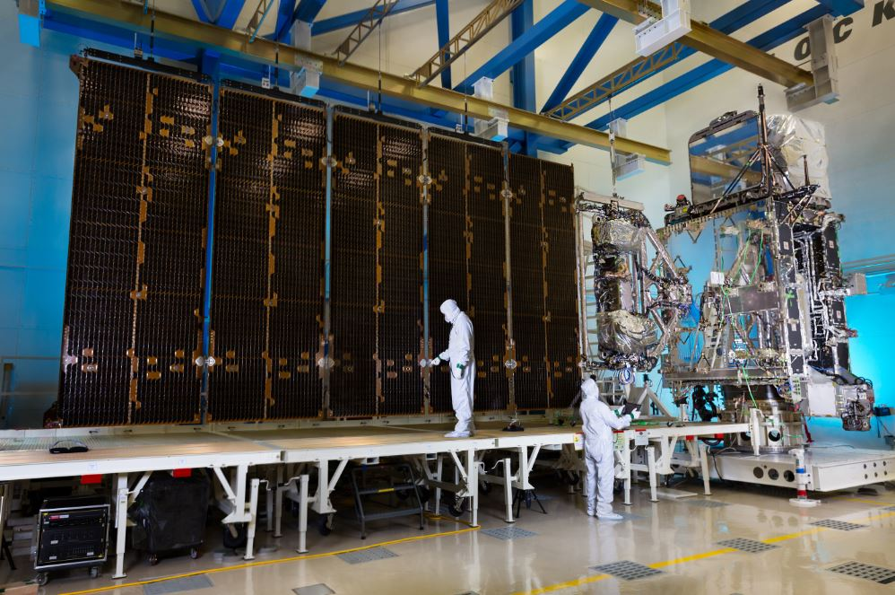 Lockheed Martin S Goes R Satellite Solar Array Spreads Its