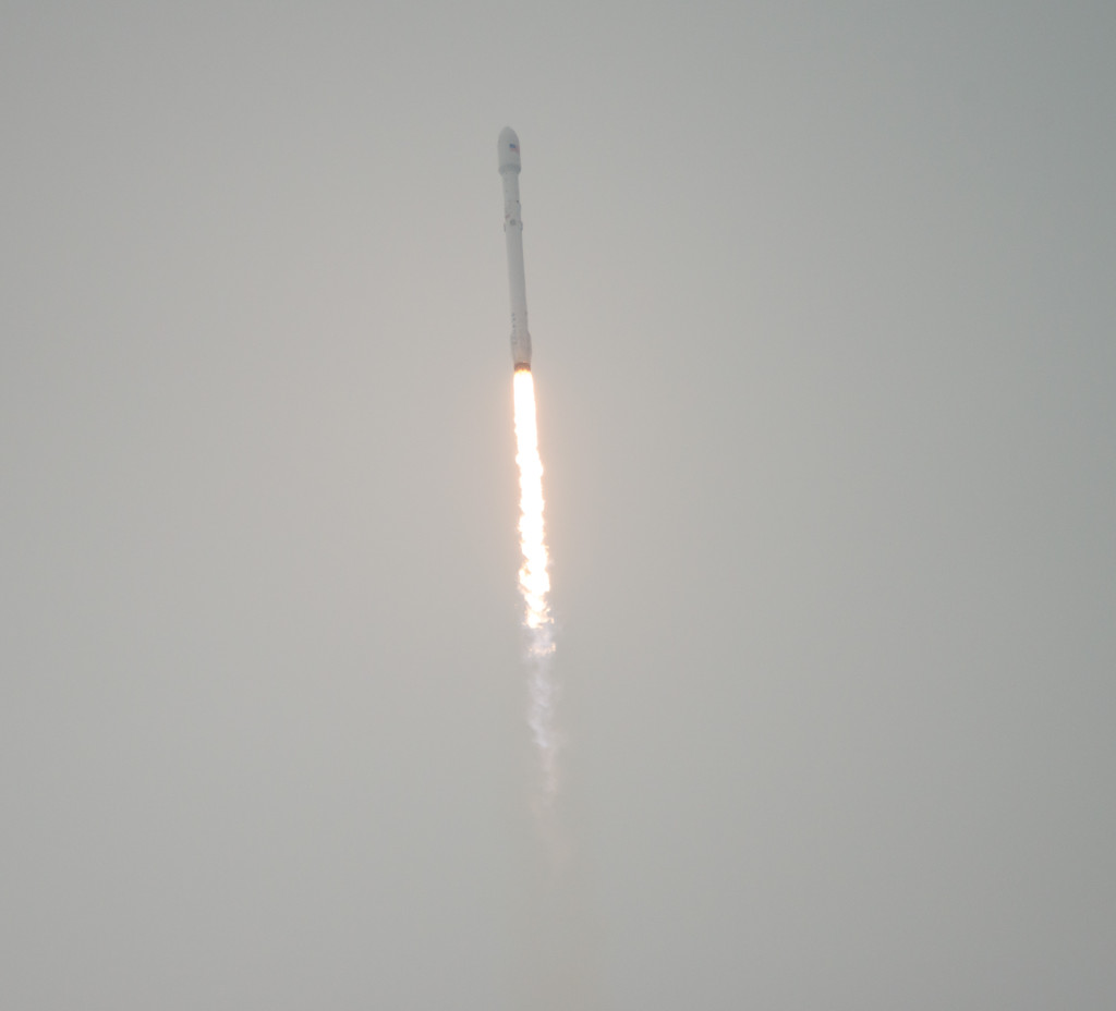 The SpaceX Falcon 9 rocket launches with the Jason-3 spacecraft Sunday, Jan. 17, 2016. Image Credit: NASA/Bill Ingalls