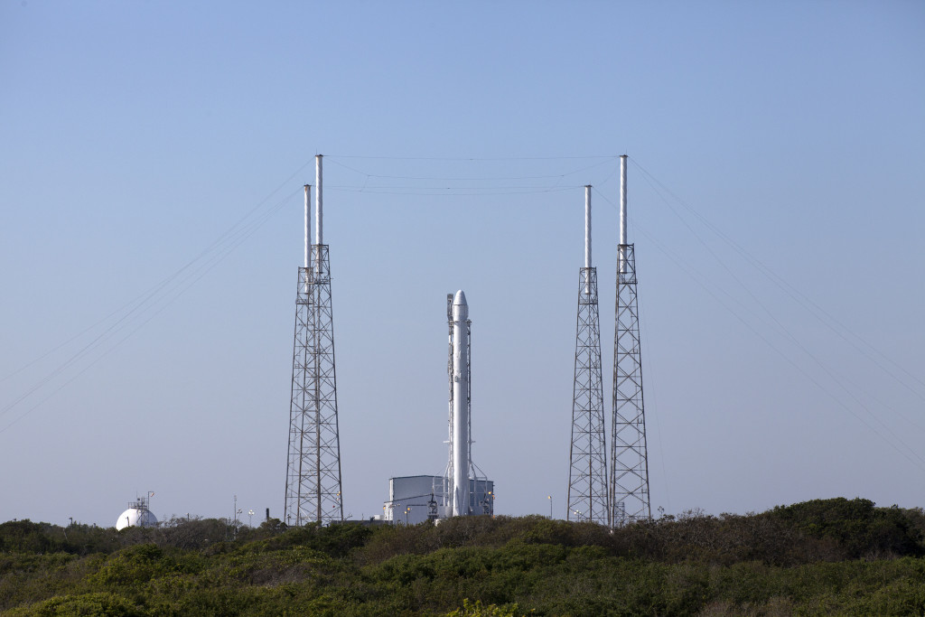 SpaceX/CRS-8 at Pad 40 prior to launch. Image Credit: NASA/Kim Shiflett