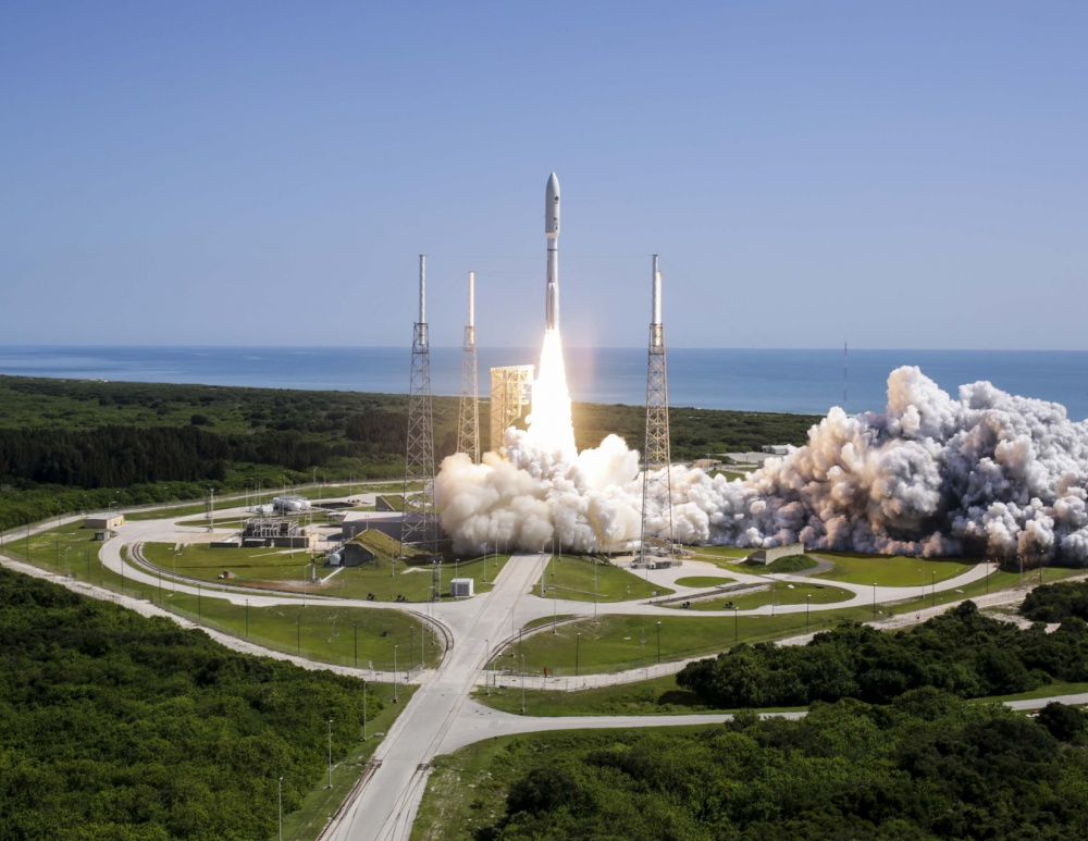 An Atlas V launch vehicle carrying the U.S. Navy's fifth Mobile User Objective System (MUOS) communications satellite lifts off from Space Complex 41, Cape Canaveral Air Force Station. Image Credit: ULA/US Navy
