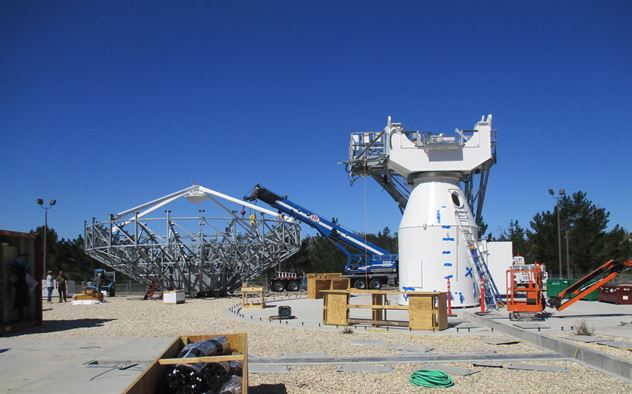 A construction company builds a Modernized Earth Terminal at the 21st Space Operations Squadron's Ellison Onizuka Satellite Operations Facility, June 16, 2016. The new system will replace two 38-foot antennas, pedestals and associated equipment with two state-of-the-art antennas and communications equipment. This project is part of continued Air Force Satellite Control Network modernization efforts. Image Credit: USAF