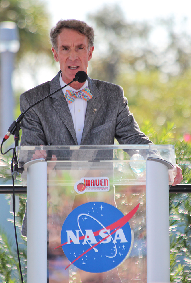 Bill Nye speaking to an audience at Kennedy Space Center. Image Credit: Colorado Space News
